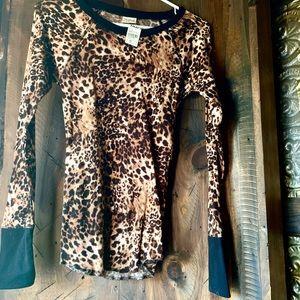 Tops - NWT leopard print thermal ❤️